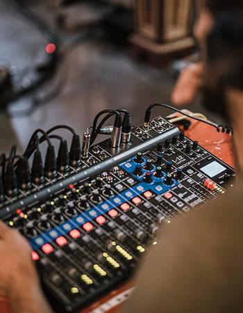 analog-and-digital-audio-mixer